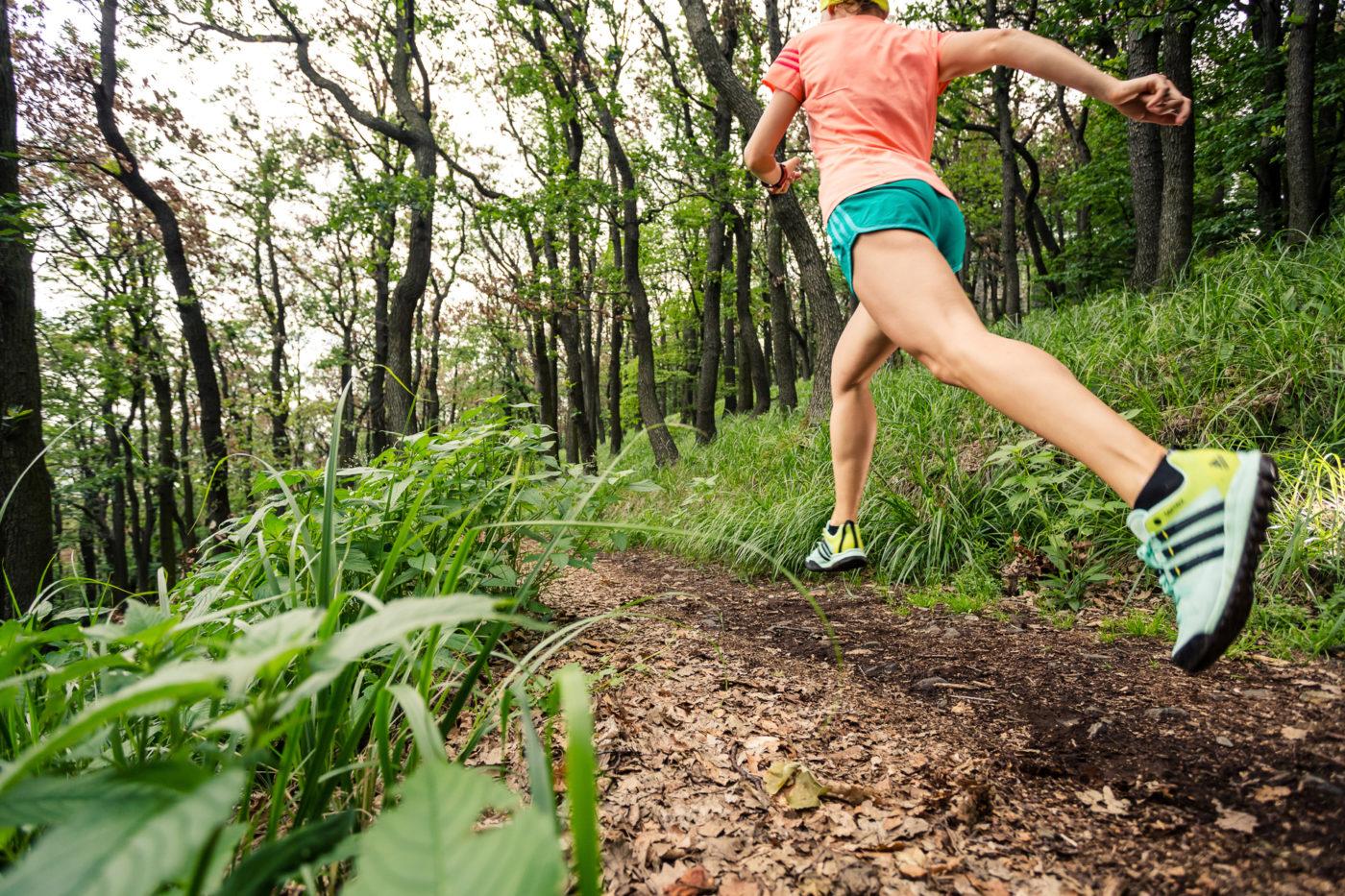 Trening na Ślęży, biegaczka