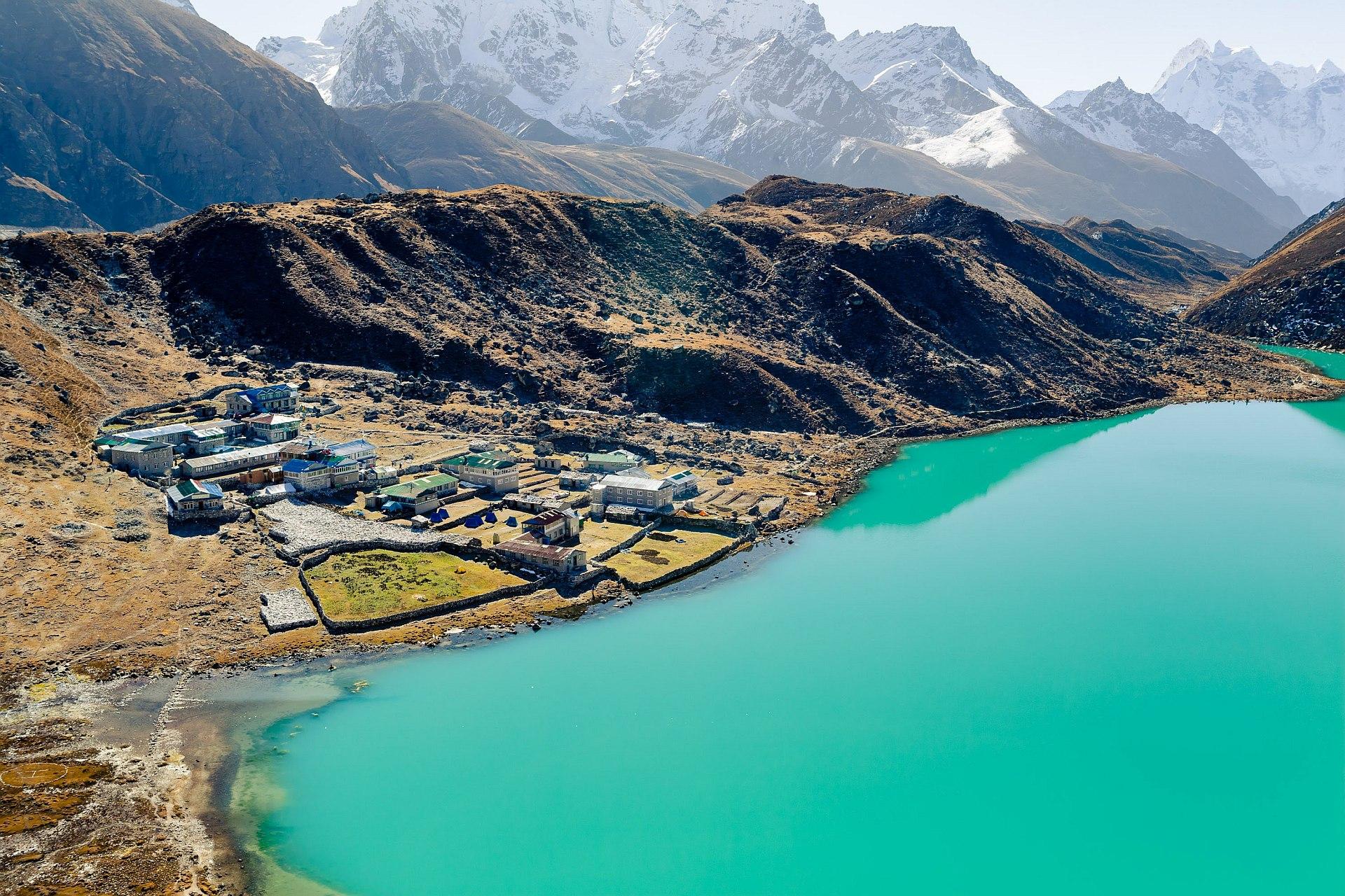 Jezioro Goyko, trekking w Himalajach, Nepal