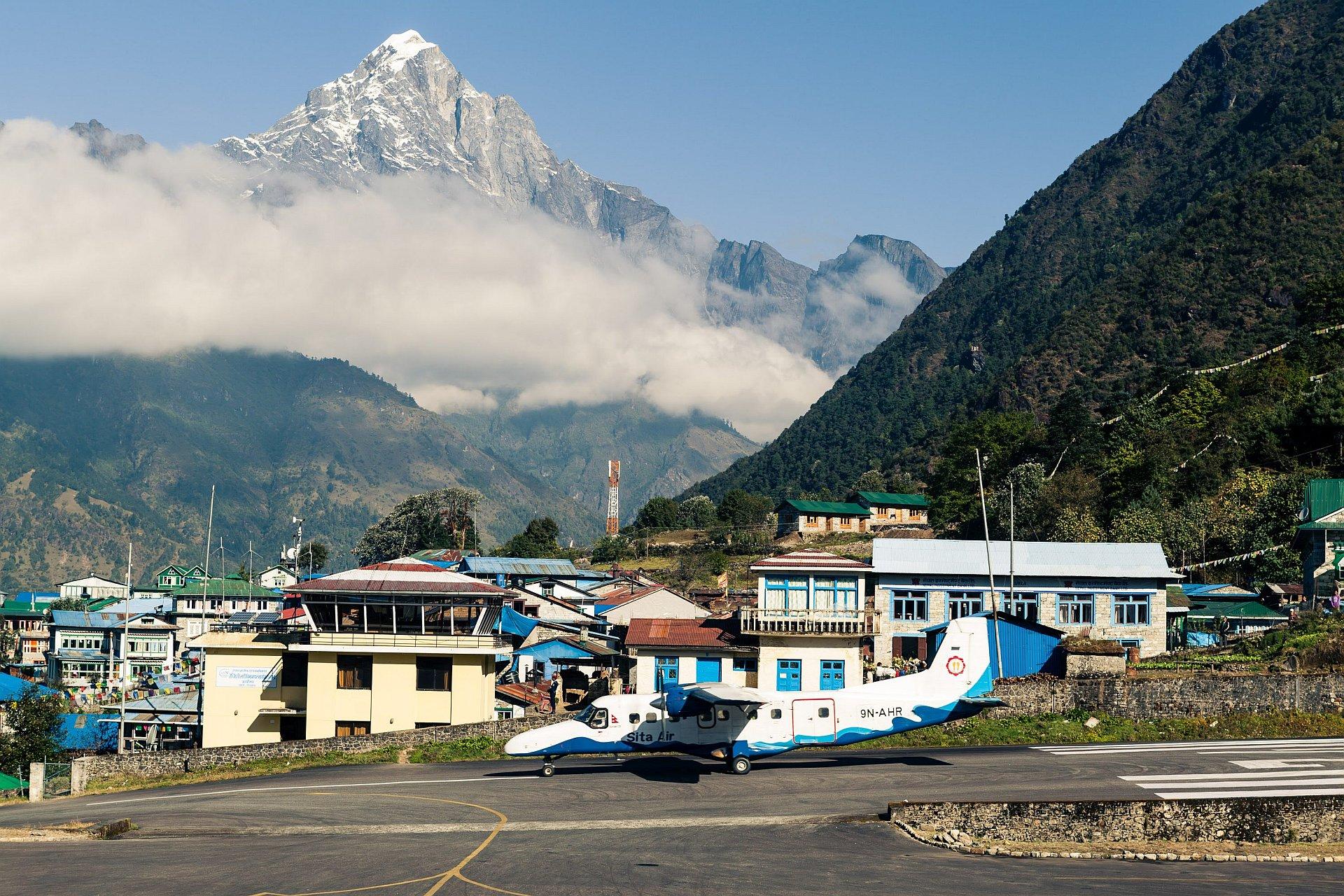 Lotnisko w Lukli, Nepal, Himalaje